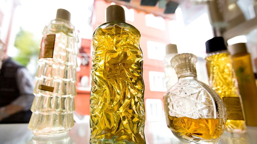 The Benefits of Using Perfume Oil