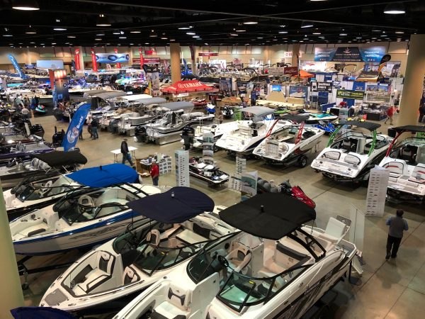 The benefits of working with a boat manufacturer
